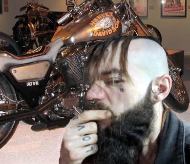 Gefährlicher Motorradfahrer